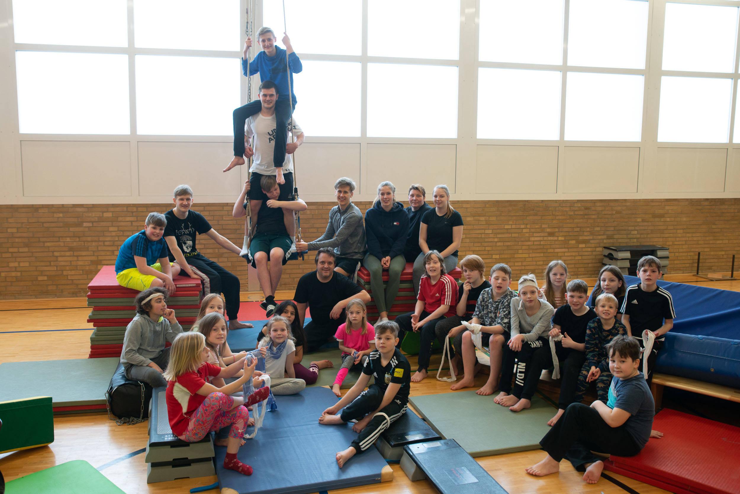 Hapkido<br>Hallenübernachtung Bonsais