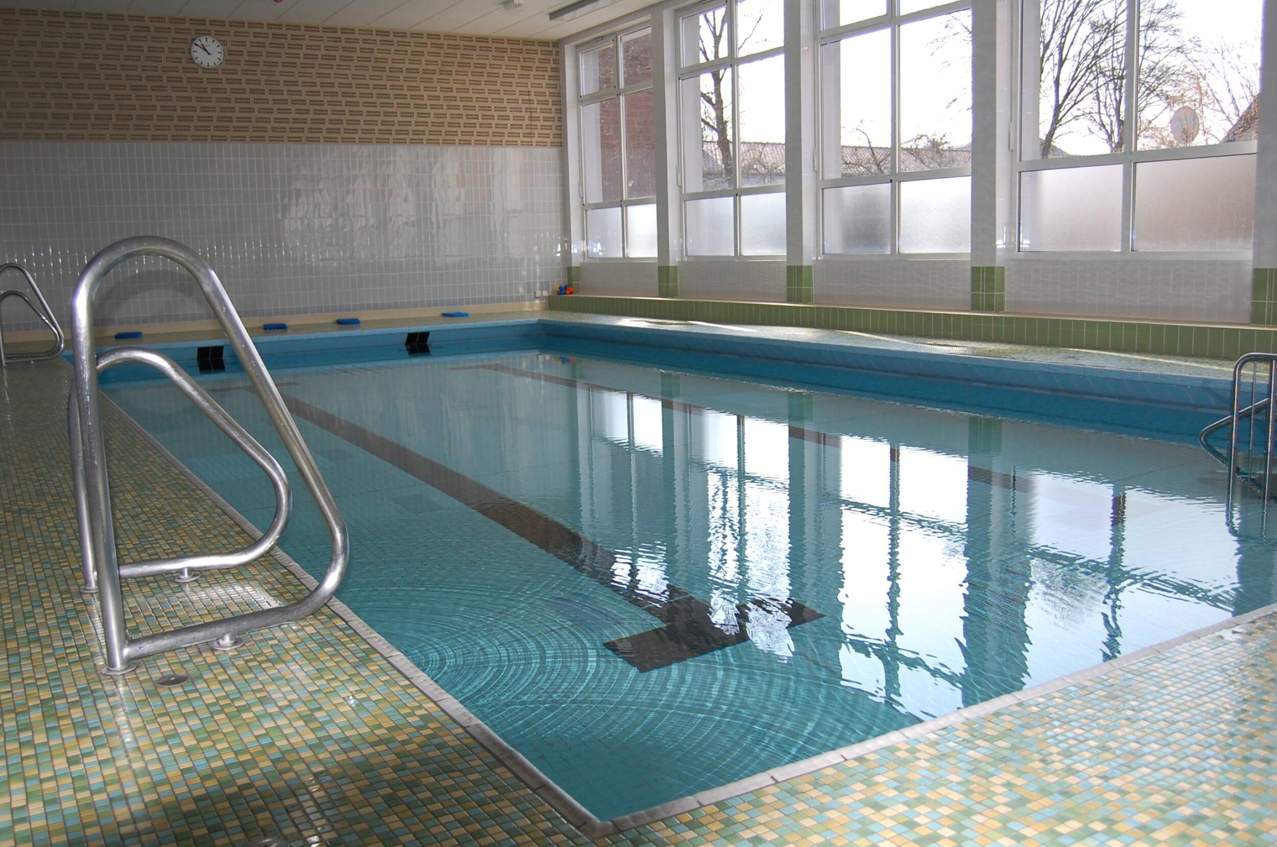 Turn- & Fitness<br>Clarholzer Hallenbad wieder geöffnet